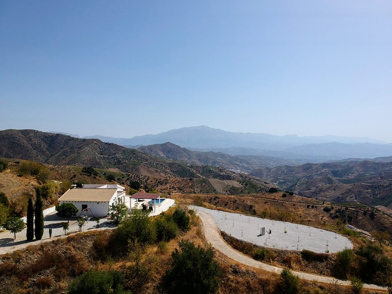 Superb Finca with Private Pool in Open Quiet Area, vacation rental in Moclinejo