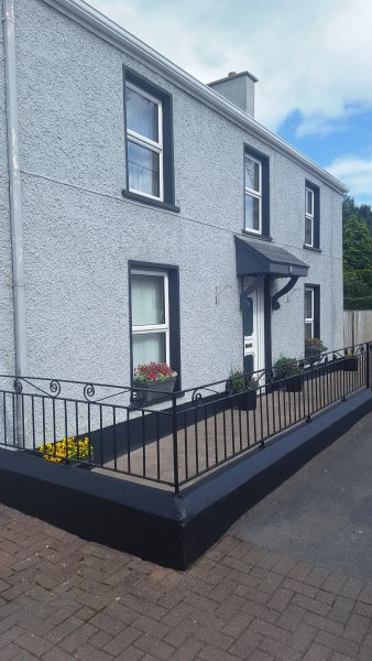 Kesh Self Catering Holiday Home, holiday rental in Kesh