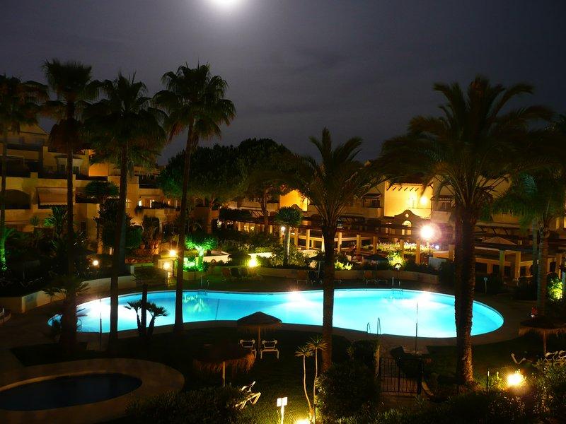 c762c95554c06a MARBELLA White Pearl Beach Elviria 2 Bed 2 Bath 5 Persons EASTER ...