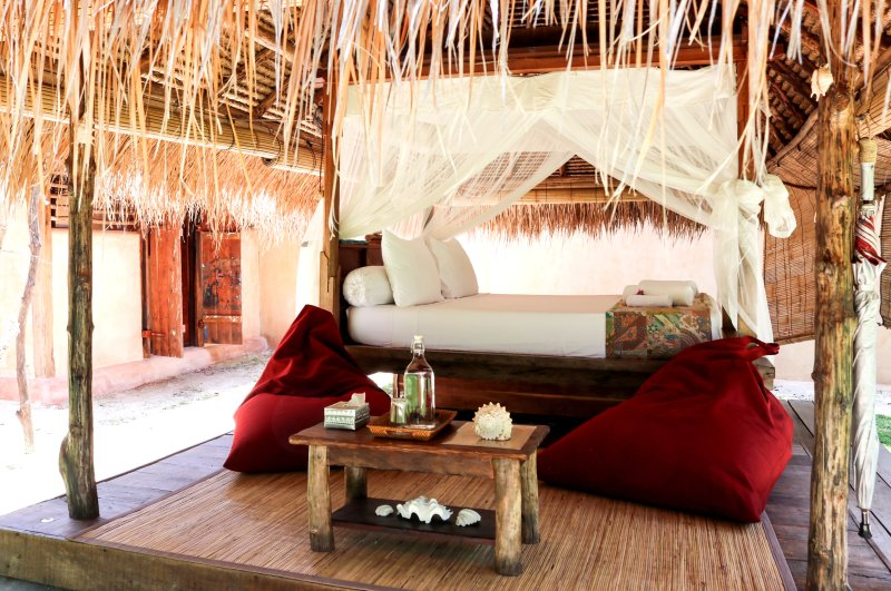 Bale with private bathroom - Gili Asahan Eco Lodge, holiday rental in Gili Gede