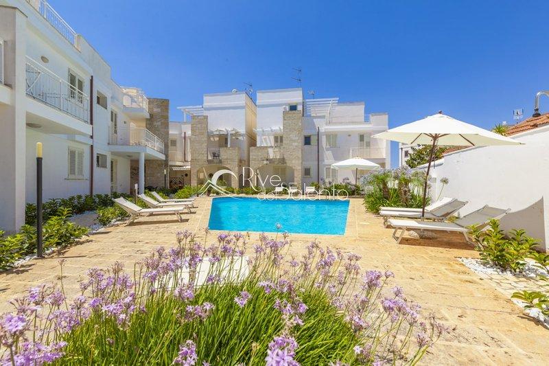 Residence Le Colonne Santa Maria al Bagno, vacation rental in Santa Maria al Bagno