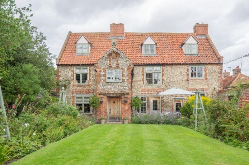 Tudor Cottage (8), holiday rental in Stiffkey