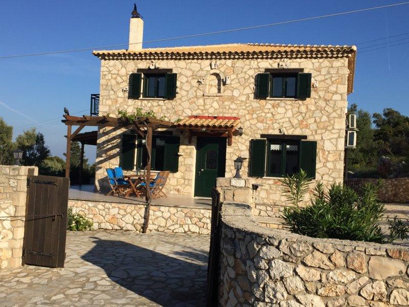 Stone Villa Maria, aluguéis de temporada em Skinaria