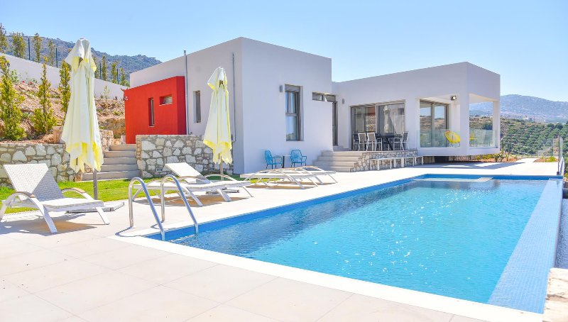 Kallia Seaview Villas, Agia Pelagia Heraklion, holiday rental in Mononaftis