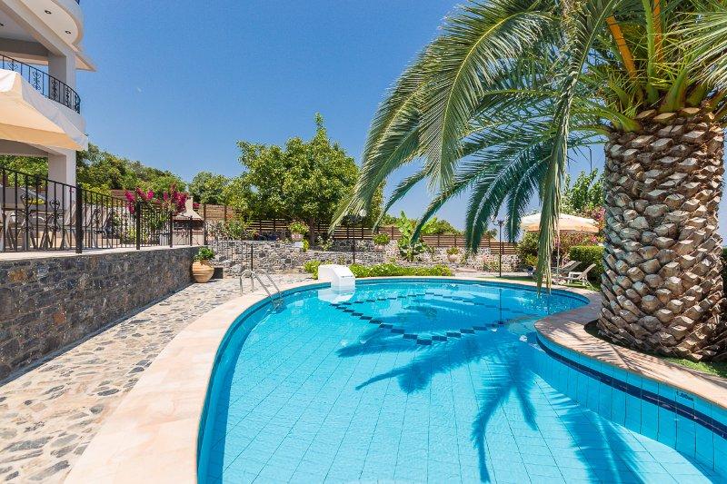 Private uniek gevormde pool!
