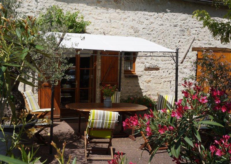 la Sapinière gite pour 5 personnes PROCHE DE FONTAINEBLEAU, holiday rental in Larchant