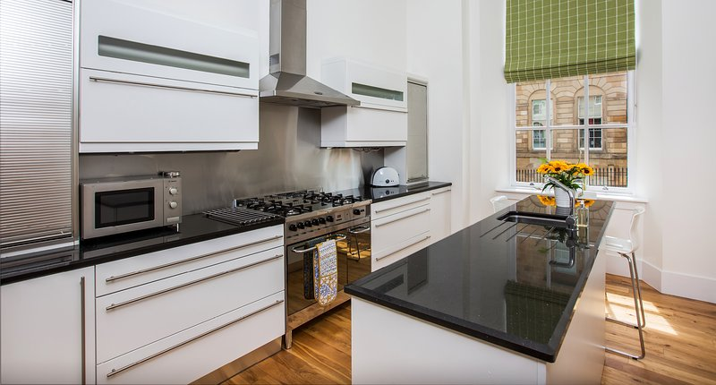 Blythswood Square Apartments - Luxury 3 bedroom Apartment ...