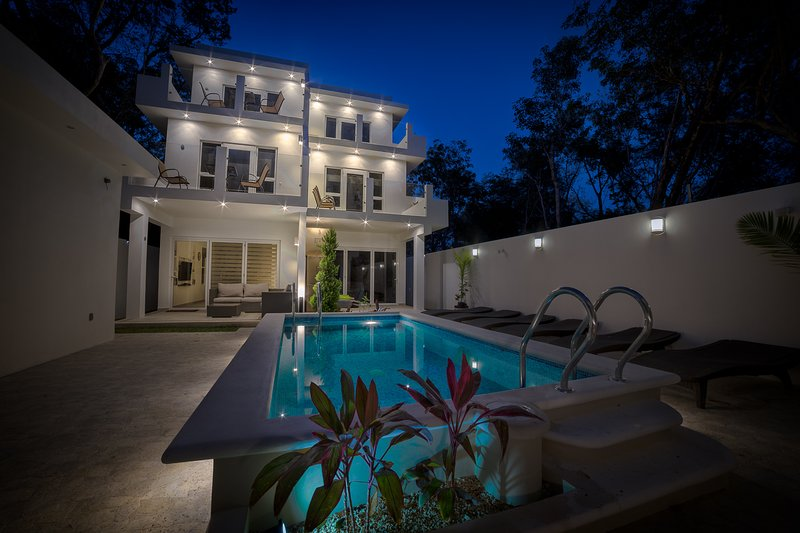 #3 Casa Pixan ~ 6 ppl 3 bedroom refined rest and relaxation in Tulum, holiday rental in Tulum