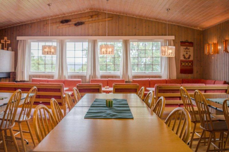 Selskapslokale og hytte til leie, location de vacances à Eresfjord