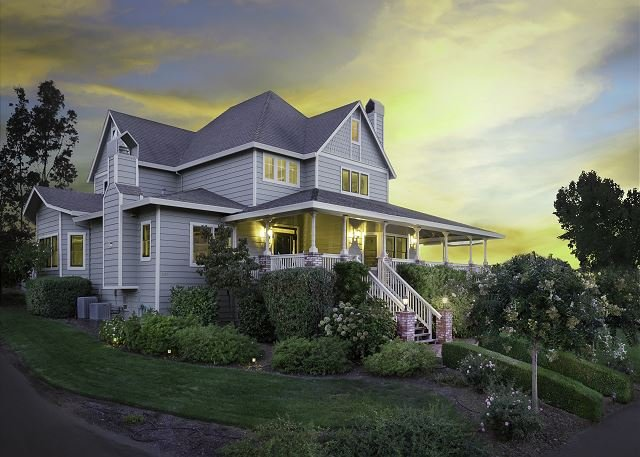 Stunning 360-degree vineyard views, vacation rental in Cloverdale