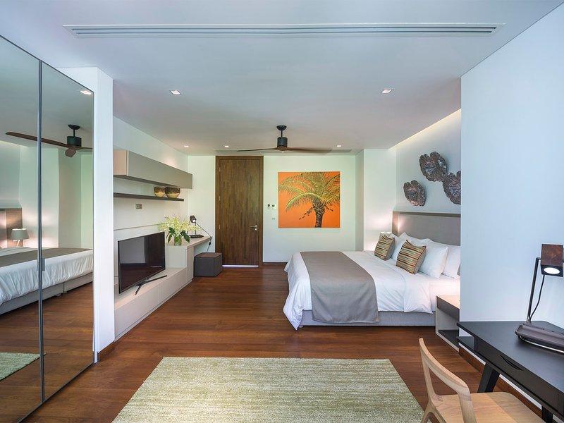 Malaiwana Duplex - Grand bedroom design