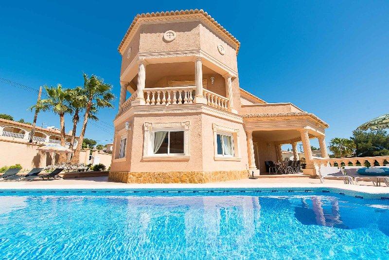 Villa Adoracion, vacation rental in La Llobella