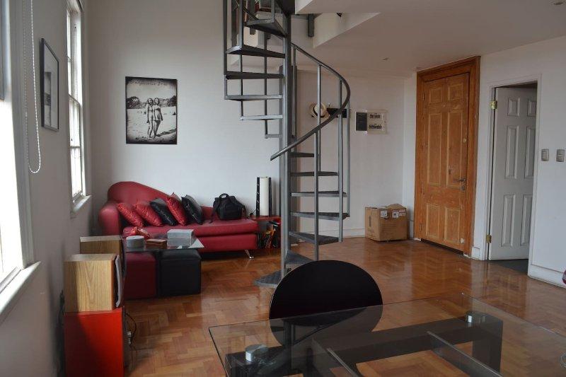 Lovely Loft in renovated house Cerro Alegre, alquiler de vacaciones en Valparaiso