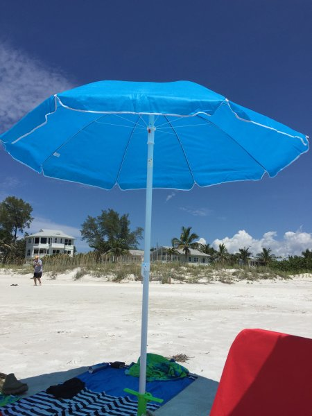 Grab this umbrella and drive just 15 minutes to the beautiful beaches of Anna Maria Island!