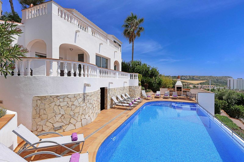 Villa Santa Cruz, vacation rental in Son Bou