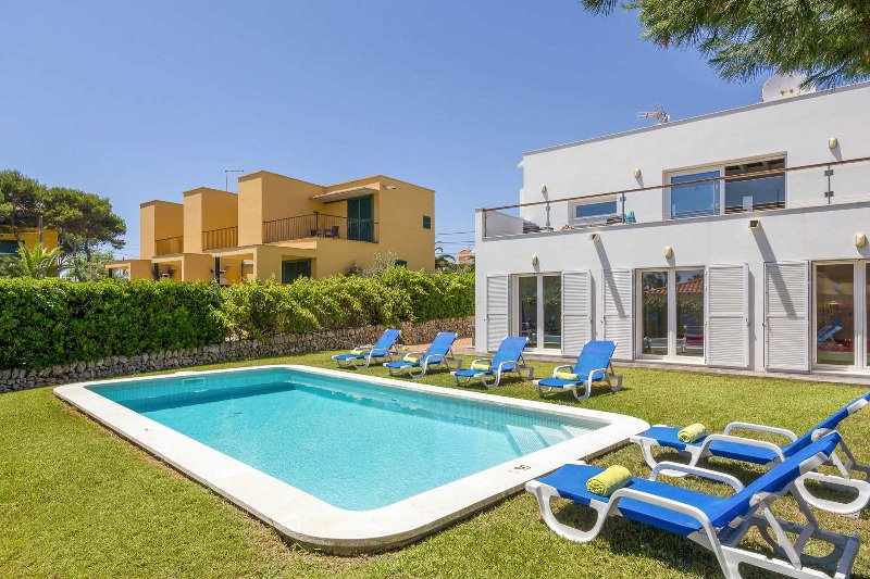 Villa Sol De Flandes, vacation rental in Cala Llonga