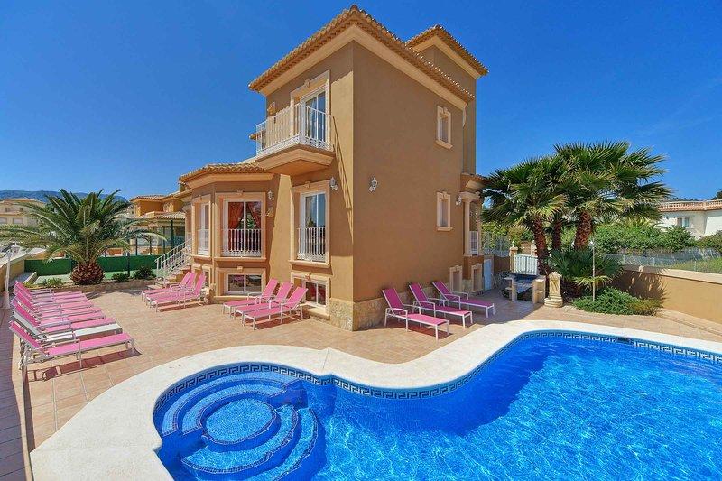 Villa Avellana, holiday rental in La Llobella