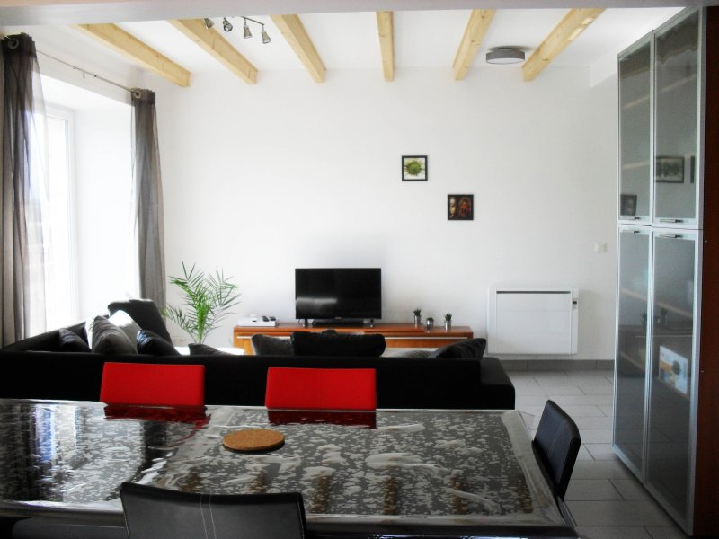 Gîte du lavoir, meublé de tourisme 4 étoiles, alquiler vacacional en Espaly-Saint-Marcel