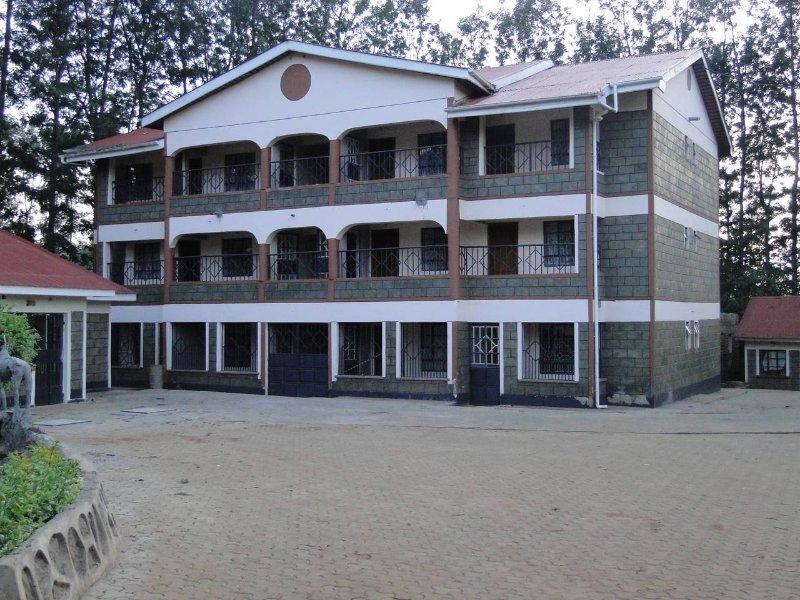 (Single Room 1) Easysleep Guesthouse, alquiler de vacaciones en Kitale