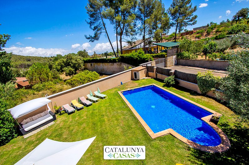 Catalunya Casas: Villa in Can Vinyals, in the hills between Barcelona and Girona, holiday rental in La Garriga