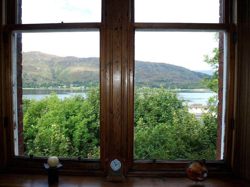 Fort William Self Catering apartment with Stunning views over Loch Linnhe,, Ferienwohnung in Fort William