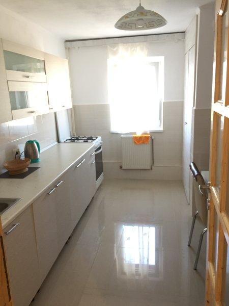 Luxury 3 Rooms ApatHotel Brasov, holiday rental in Sanpetru