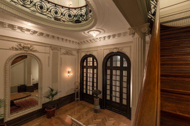 Escadas - 1º e 2º andar