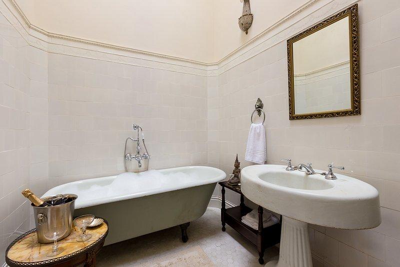 2º andar - Quarto 1 casa de banho