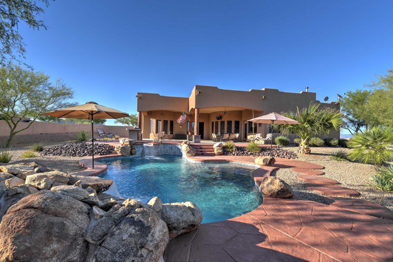 Tranquil Scottsdale Paradise: Heated Pool, Hot Tub, aluguéis de temporada em Rio Verde