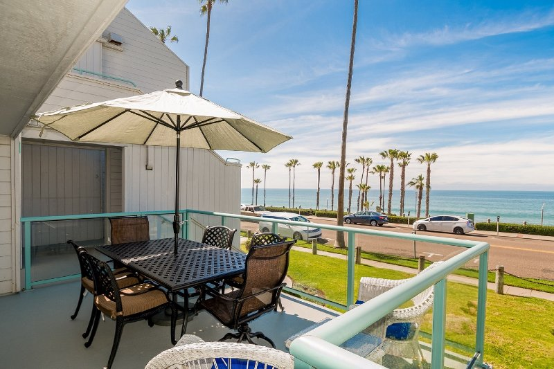 Relax around Large Balcony Table Seats 8-10 Enjoy Ocean View