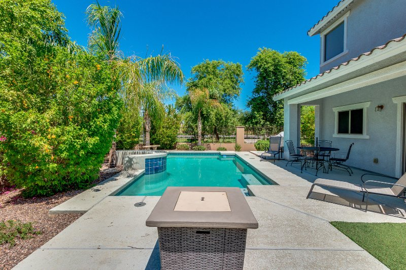 Heated Private Pool.  $20 per day for pool heat.