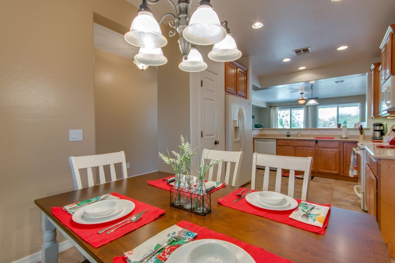 Active Adult Community Right on the Golf Course, vakantiewoning in San Tan Valley