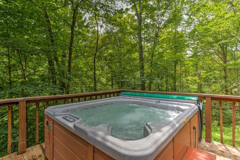 Empacar sus maletas y dirigirse a esta privado de 2 dormitorios y 1.5 baños alquiler de cabina para la última aventura al aire libre!