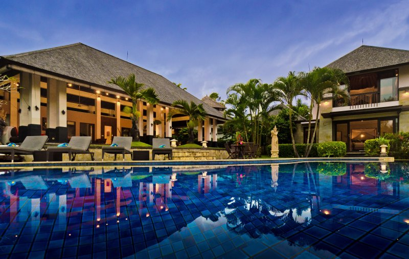 Blue skies & pool at Villa Menari Bali...