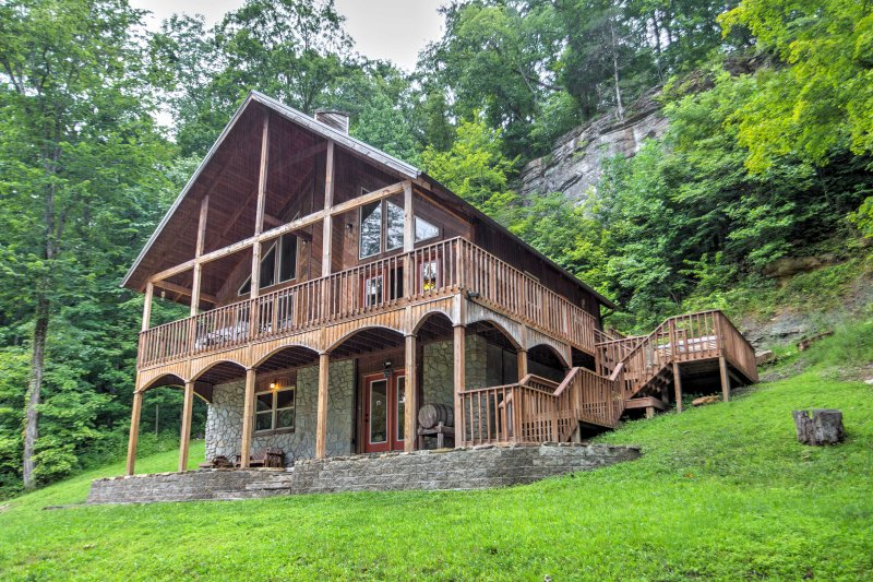 Leave your worries behind and head to 'Wine Cellar,' a 3-bedroom, 2-bathroom vacation rental cabin tucked away on 300 acres.
