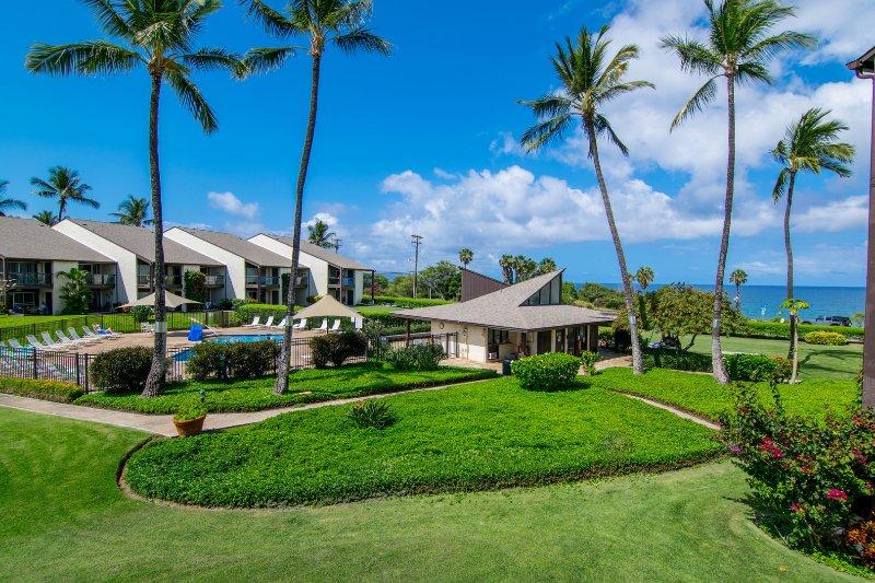 Condomínio está localizado em frente do resort, a poucos passos da areia!