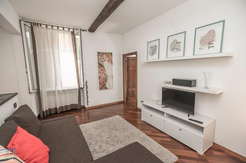 La tua casa nel cuore di Genova,vicino Acquario, vacation rental in Genoa