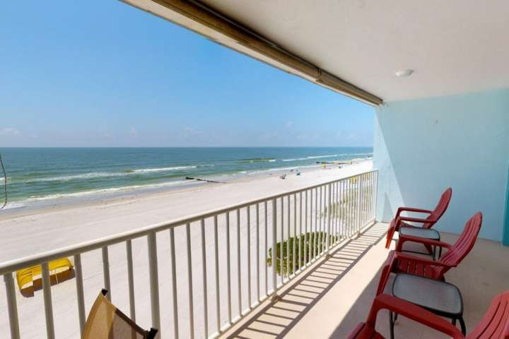 Updated, spacious, and completely outfitted location for your Florida, location de vacances à Madeira Beach