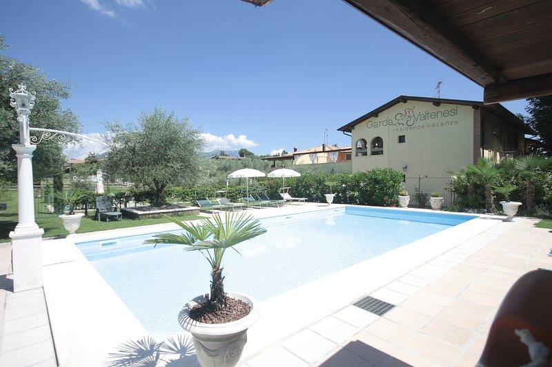 Appartamento Oleandro - Residence Garda Valtenesi, location de vacances à Prevalle
