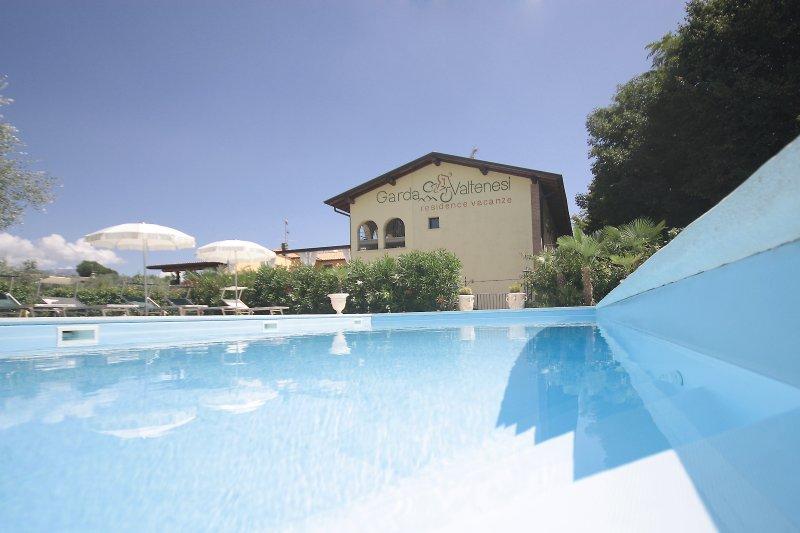Appartamento Iris - Residence Garda Valtenesi, location de vacances à Prevalle