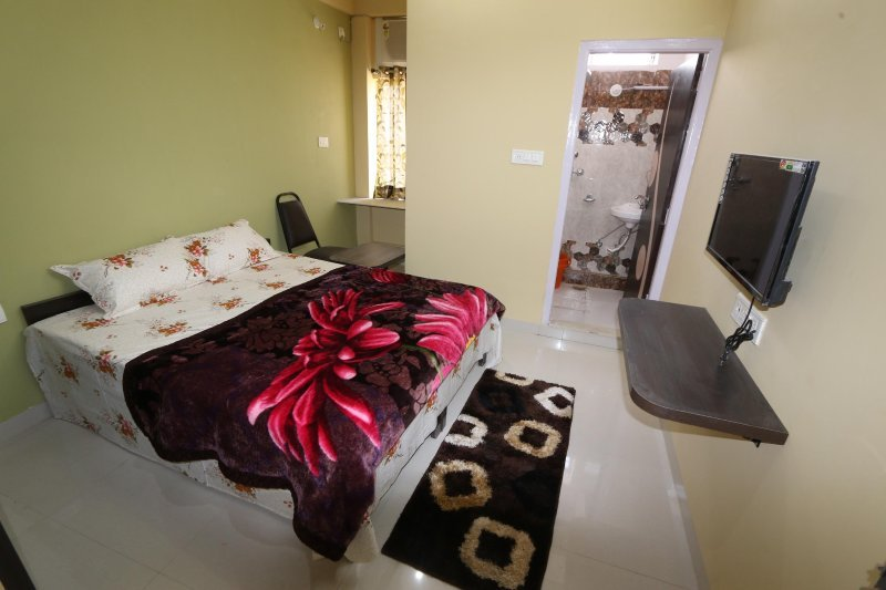 PDM Comforts Double Bed Deluxe Room 2, vacation rental in Ajmer