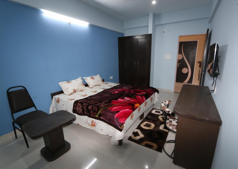 PDM Comforts Double Bed Deluxe Room 3, vacation rental in Ajmer