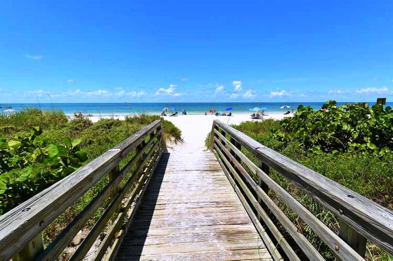 Onze toegang tot het strand op ongeveer 45 seconden lopen!