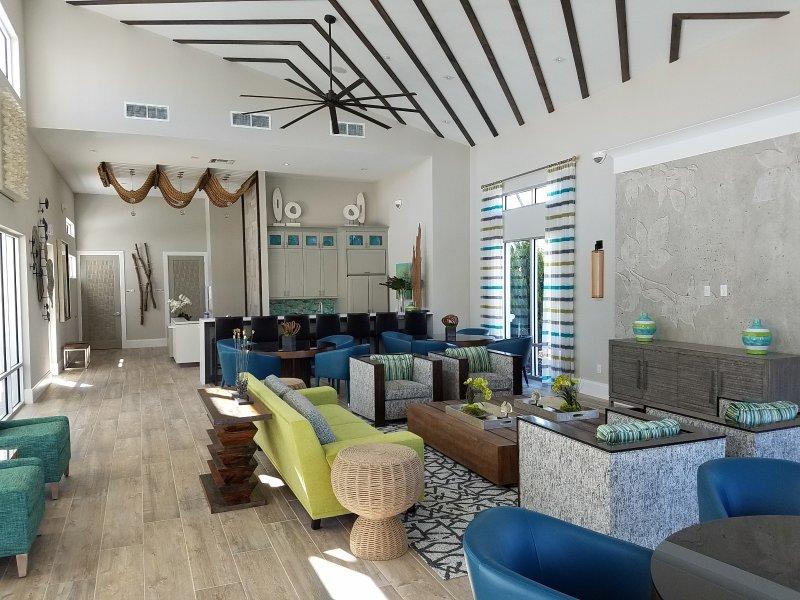 Veranda Palms club-house.