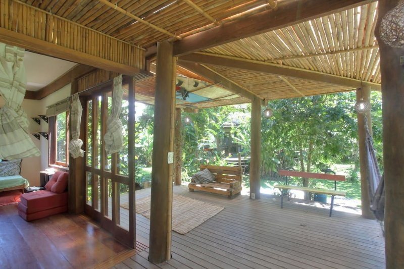 Beautiful Eco-Homes, Garden, wifi for 17 Near Historic Paraty, Ferienwohnung in Paraty