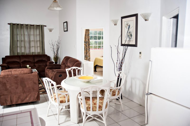Your Home Away from Home 1, location de vacances à Rodney Bay