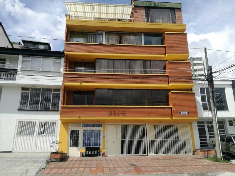 Palermo Home building, excellent located 2 blocks from cable manizales.