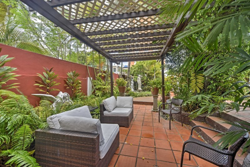 With a outdoor garden and pool area, get ready for relaxing and revitalizing.