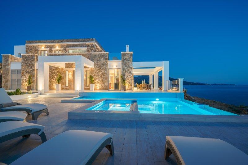 Tambouros Boutique Luxury Villa, holiday rental in Vasilikos