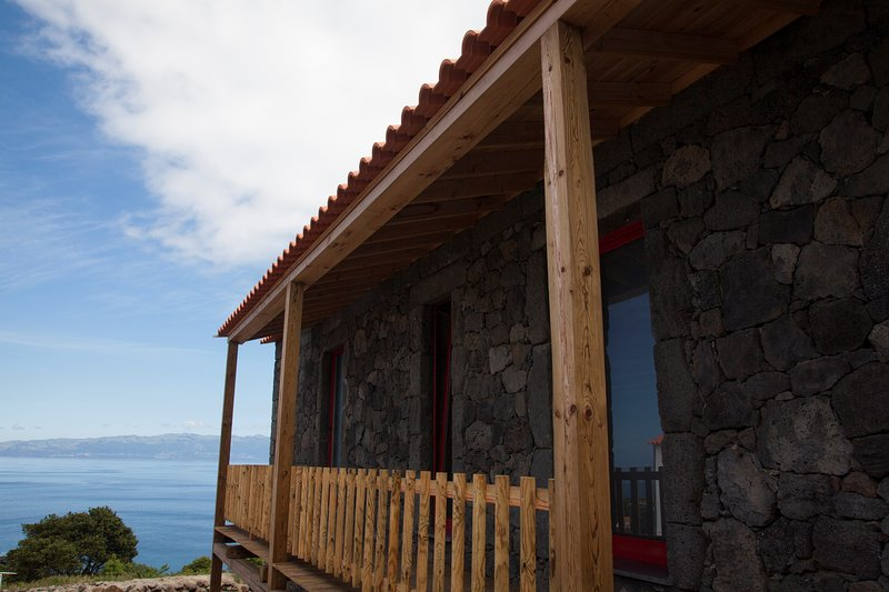 Sara Village Cottage 1, holiday rental in Sao Roque do Pico